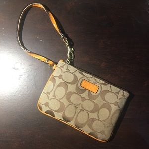 🍂COACH | Orange Wristlet with freebie🍂